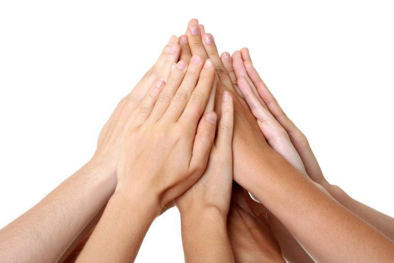 Yhteisöllisyys on välittämistä ja hyväntahtoisuutta.